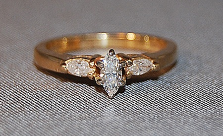 CLEARANCE DIAMOND ENGAGEMENT RING
